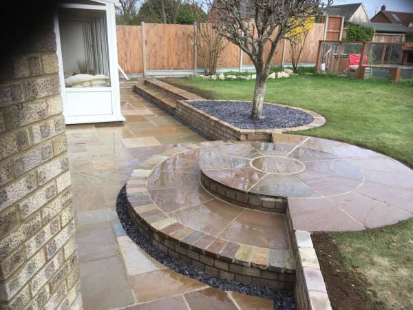 Landscape Garden Designers and Landscapers in Cambridge, Cambridgeshire, near Royston in Hertfordshire SG8, specialising in gardens small and large