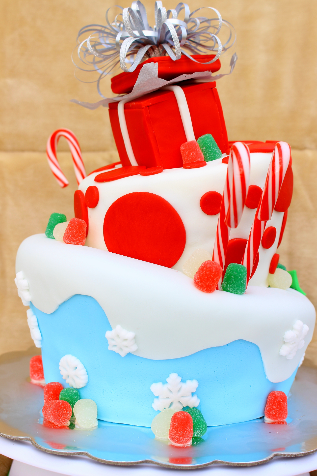 Topsy Turvy Christmas Cake