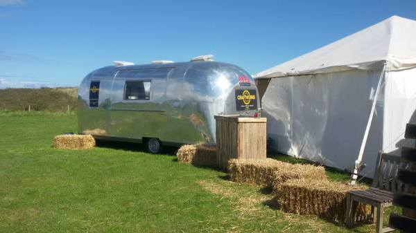 Wedding venue with mobile kitchen