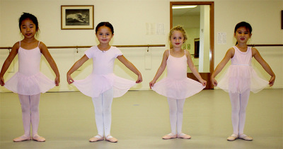 Little girls at a Ballet class
