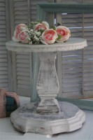 Single tier shabby chic cake stand