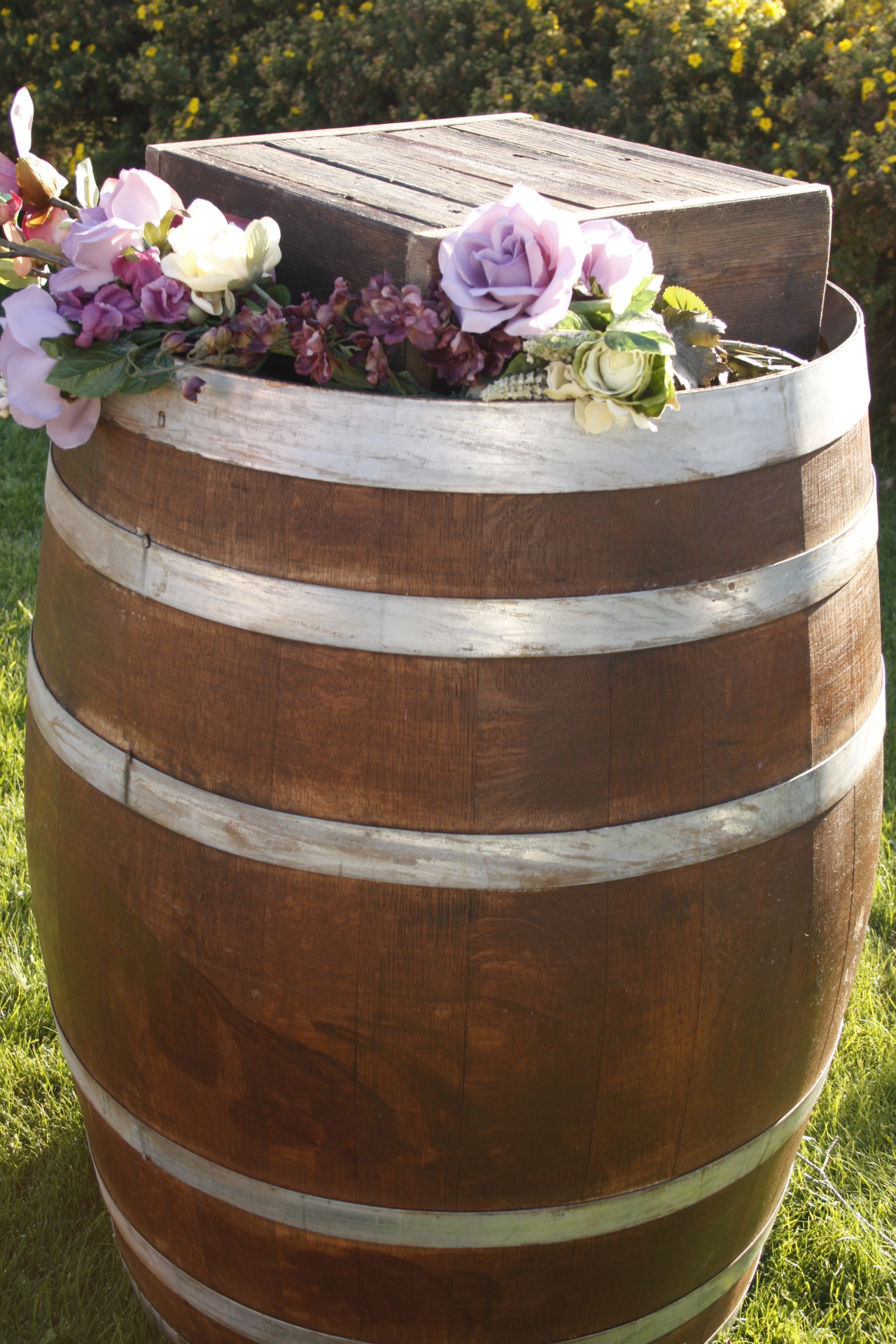 Rustic Wine Barrel with Cake Stand