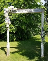 antique plantation porch pillar archway to rent in Edmonton