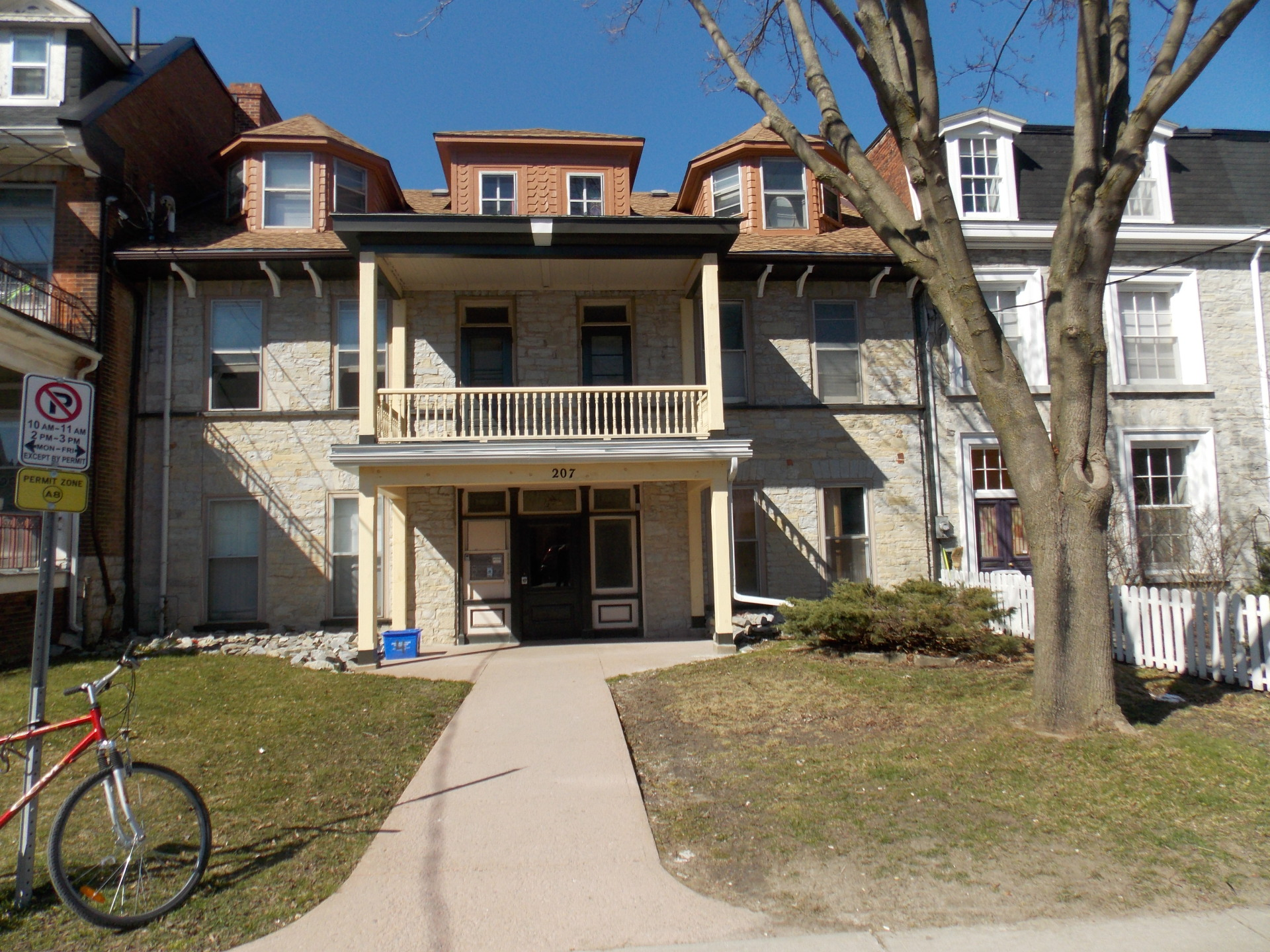 207 William st, Kingston, 1 bed Downtown executive  $1875