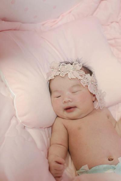 #初生嬰兒拍攝 #拍攝初生嬰兒 #滿月 #100日 #100days #newborn #baby #girl #beautiful #cute #adorable #newbornbaby #infant #little #innocence #face #small #young #child #royaltyfree #royalty #baby #babies