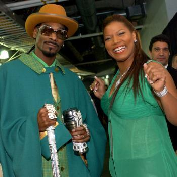 Queen Latifah & Snoop Dogg to Co-Host Pitbull's 'New Year's Revolution' Special