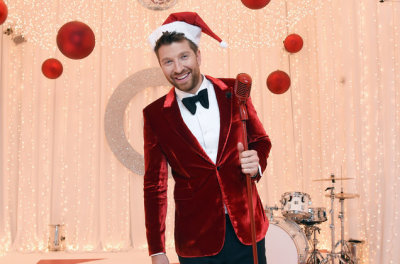 Brett Eldredge & Jimmy Buffett Top Country Albums Chart With New Holiday Sets