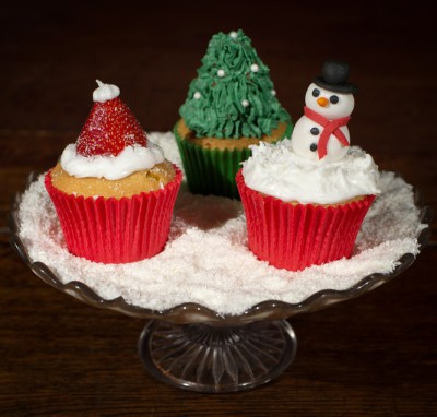 Christmas Cupcakes by NJL Creations