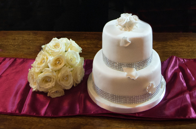 diamante dream cake £150