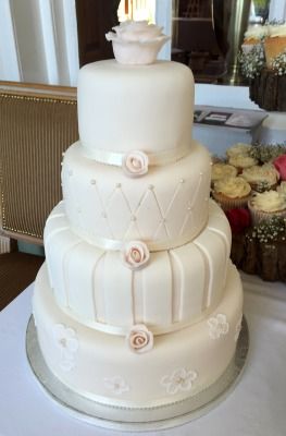 classic wedding cakes by njl creations