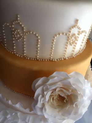 1920's glamour wedding cake by njl creations