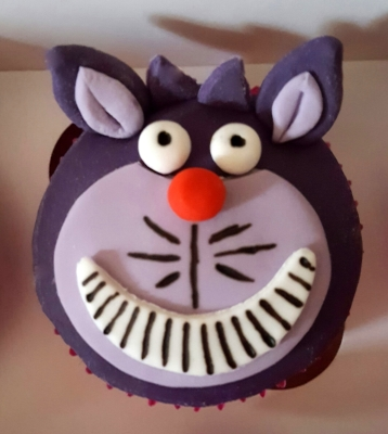 alice in wonderland cheshire cat cupcakes by njl creations