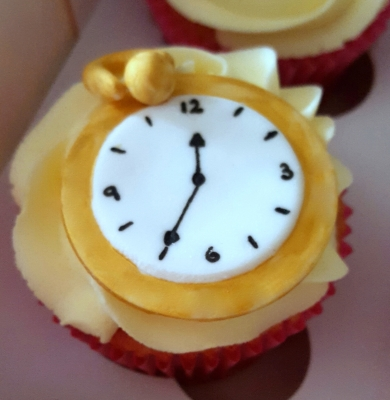 alice in wonderland pocket watch cupcakes by njl creations