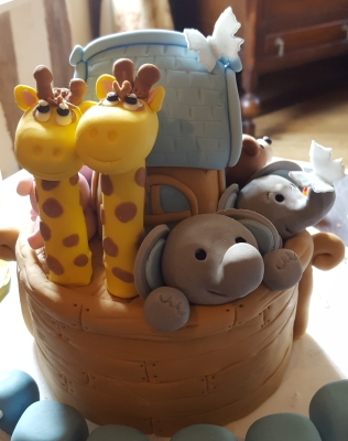 noah's ark christening cake from £150