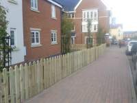 3 foot spiked top picket fencing