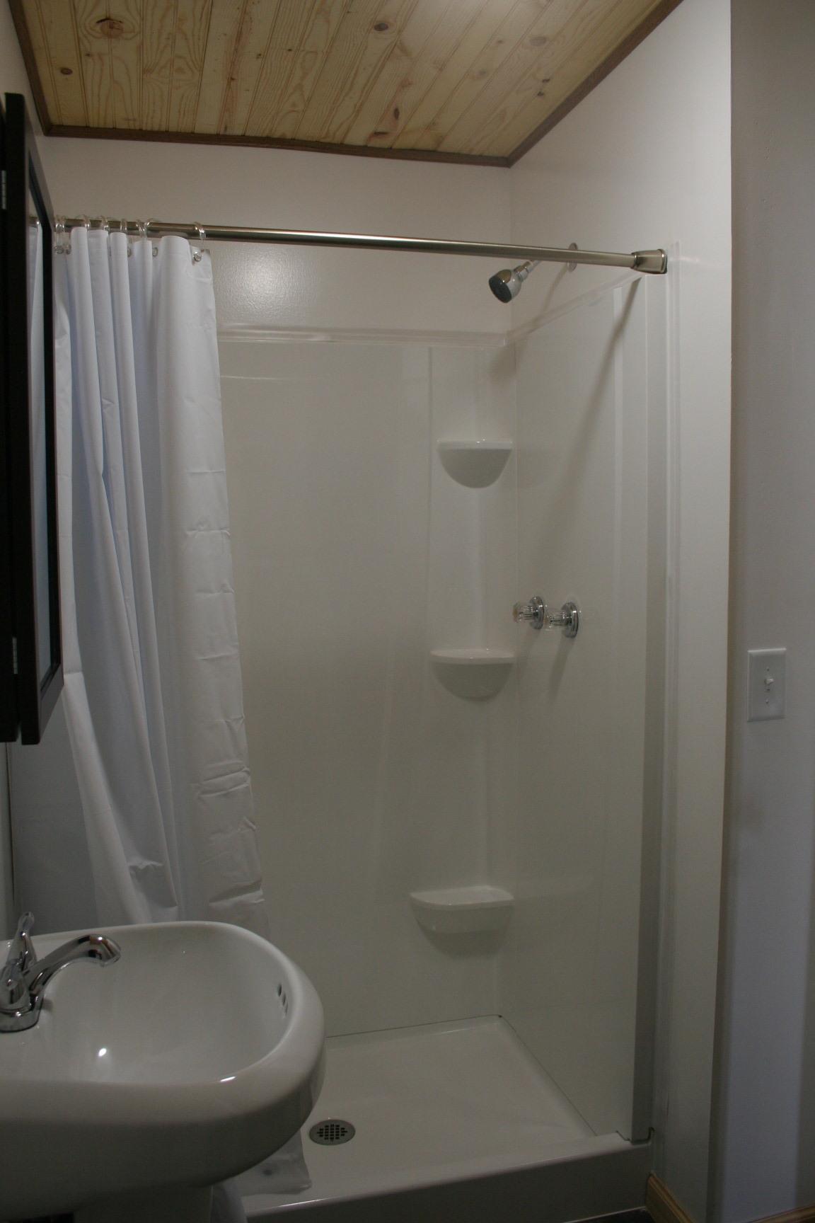Bath in Cabin #2