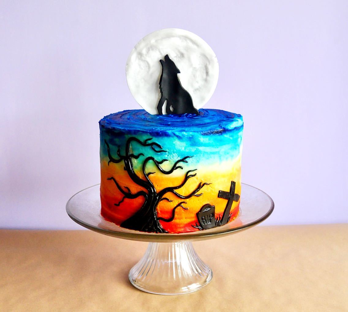 How To Make The Best Howling Wolf Halloween Cake