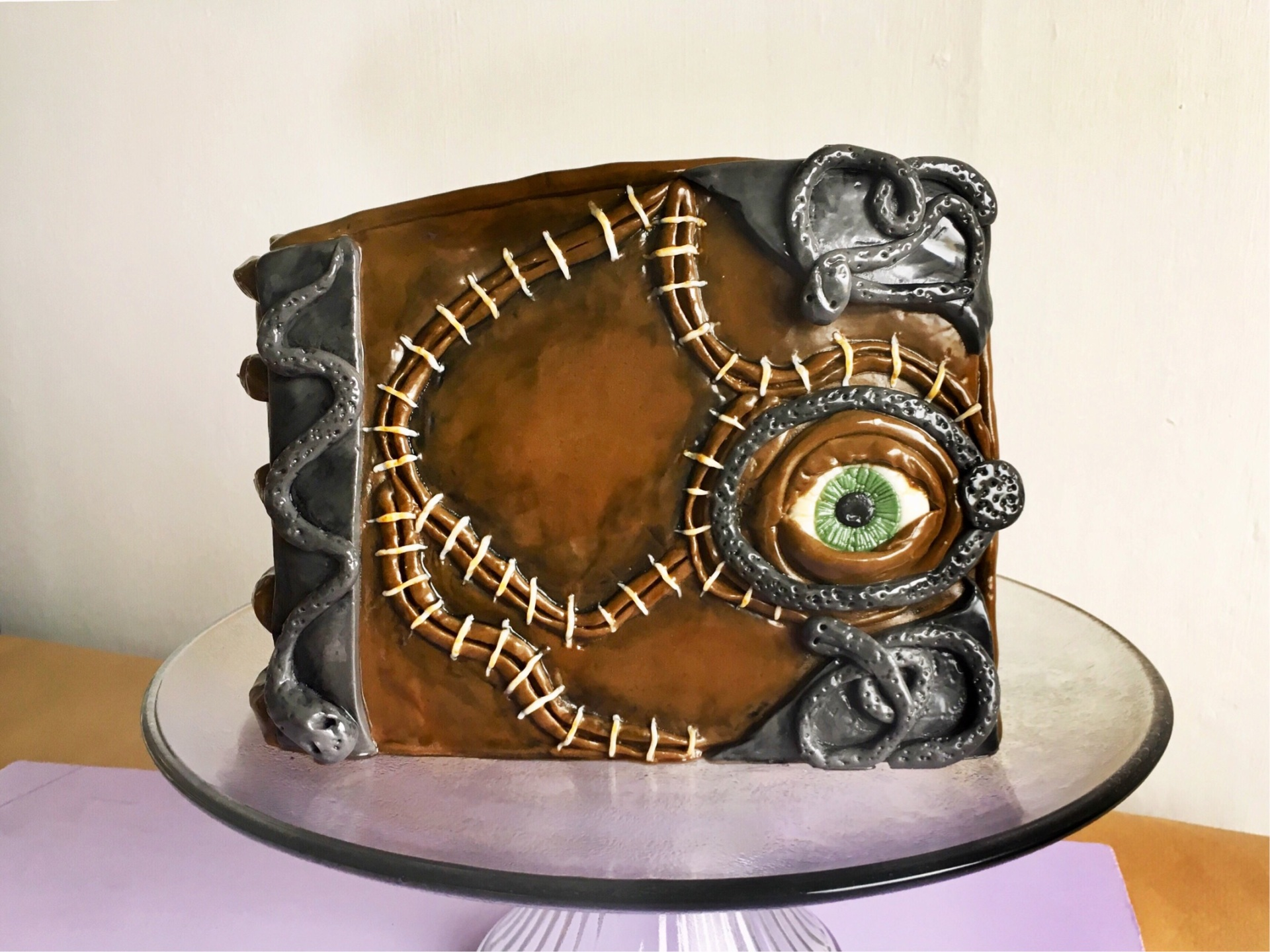 How To Make The Most Magical Hocus Pocus Cake