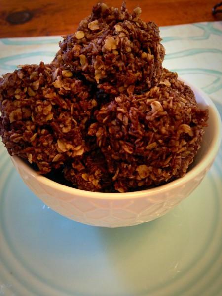 Clean Eating Chocolate Macaroons
