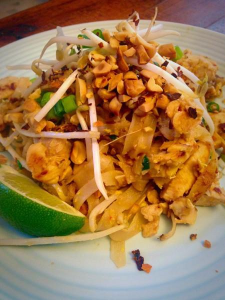 Street Food Chicken Pad Thai