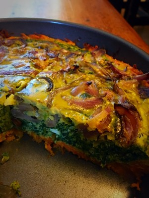 Spinach and Caramelized Onion Frittata w Sweet Potato Crust