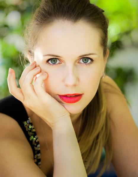 Model Ella