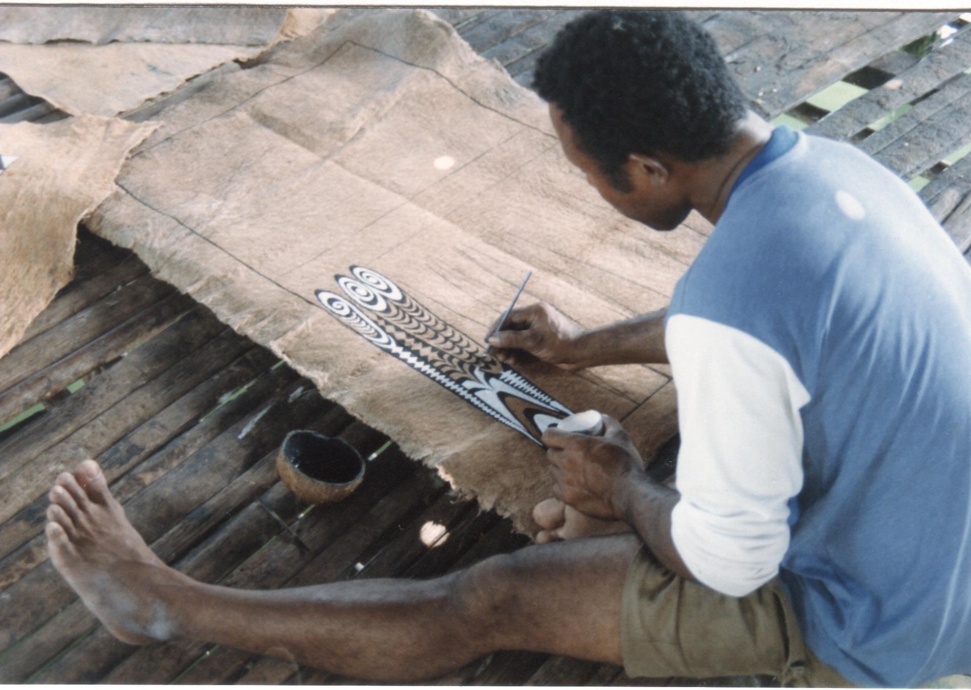 Bark cloth (tapa) in Lake Sentani (West Papua)