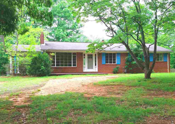 613 18TH ST NW Hickory, NC 28601