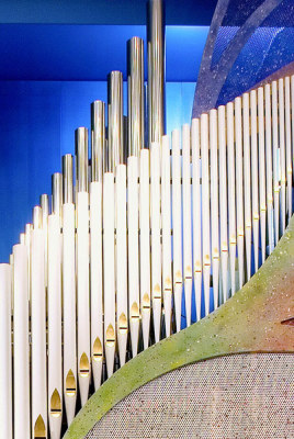 this is a graceful set of white organ pipes more interesting than usual