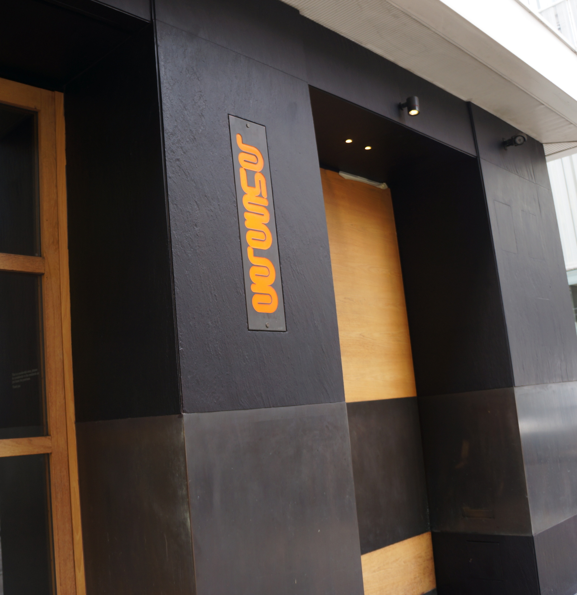 Article - Treatment to Sun Bleached Slate Cladding