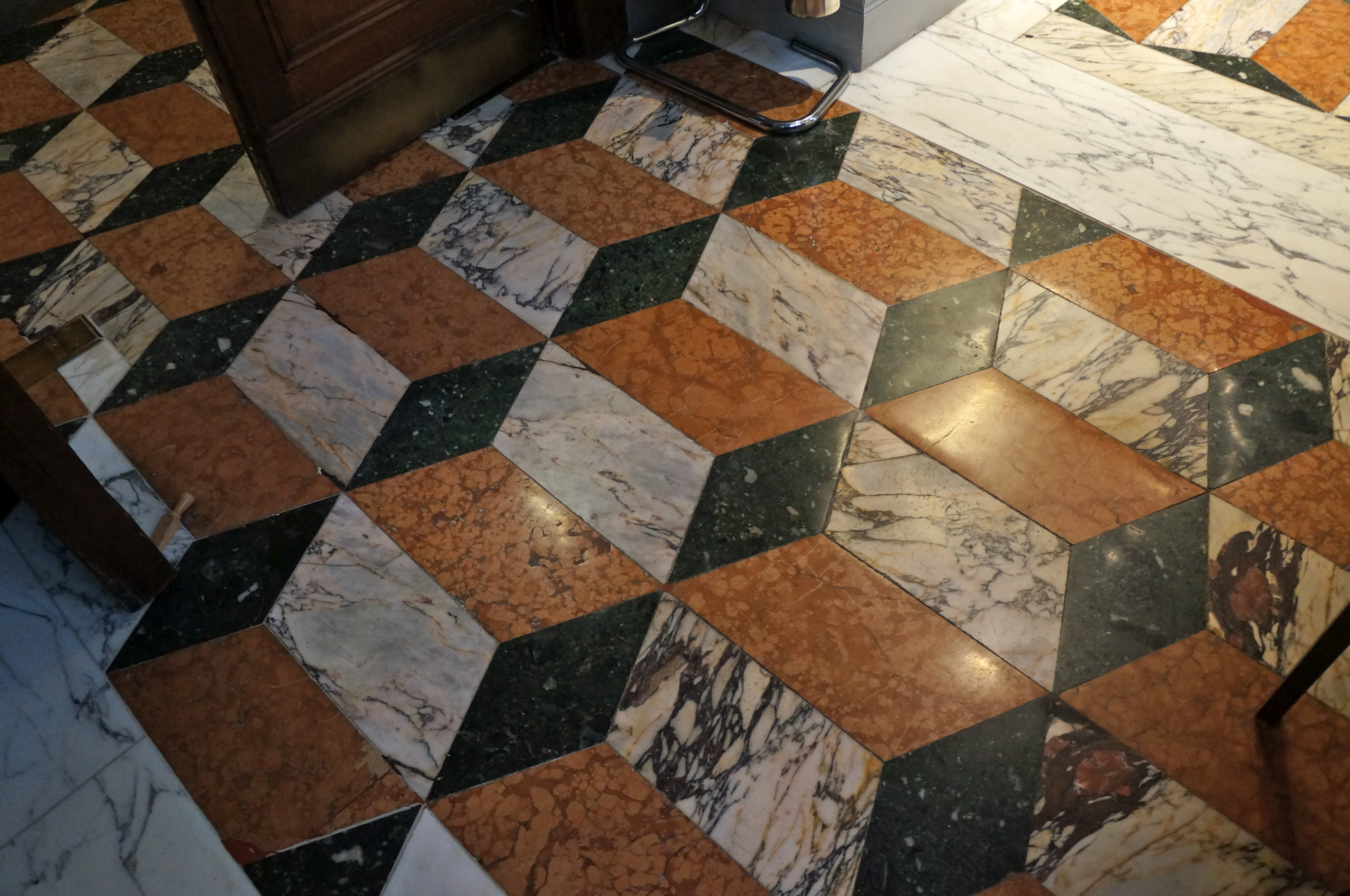 Article - Renovation of Geometric Marble Floor