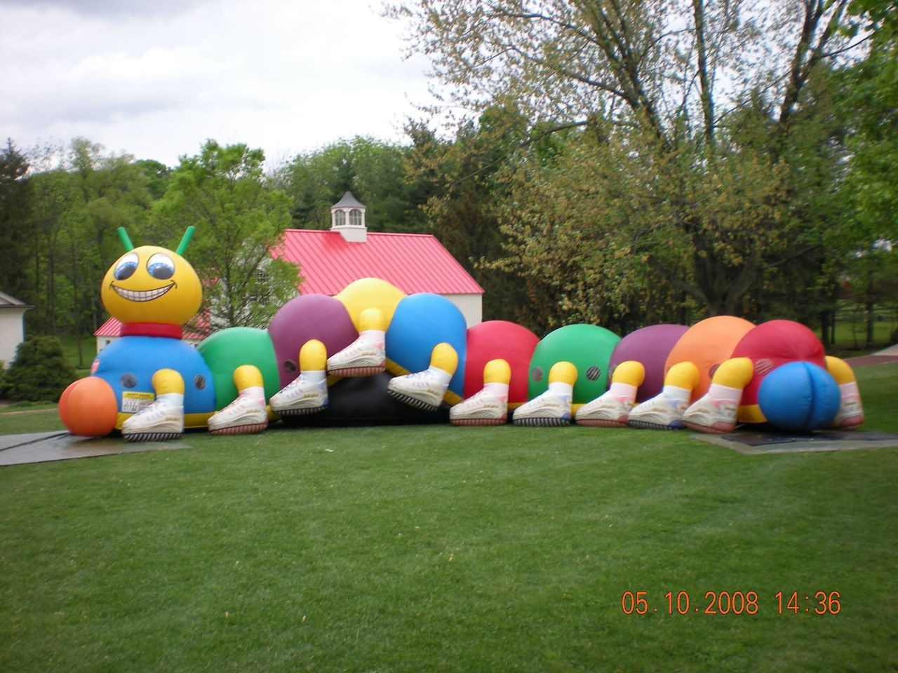 Inflatable Kiddiepillar Crawl Thru Maze