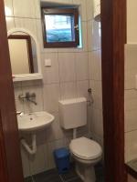 Kupatilo sa tuš kabinom