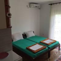 dva kreveta, klima, terasa