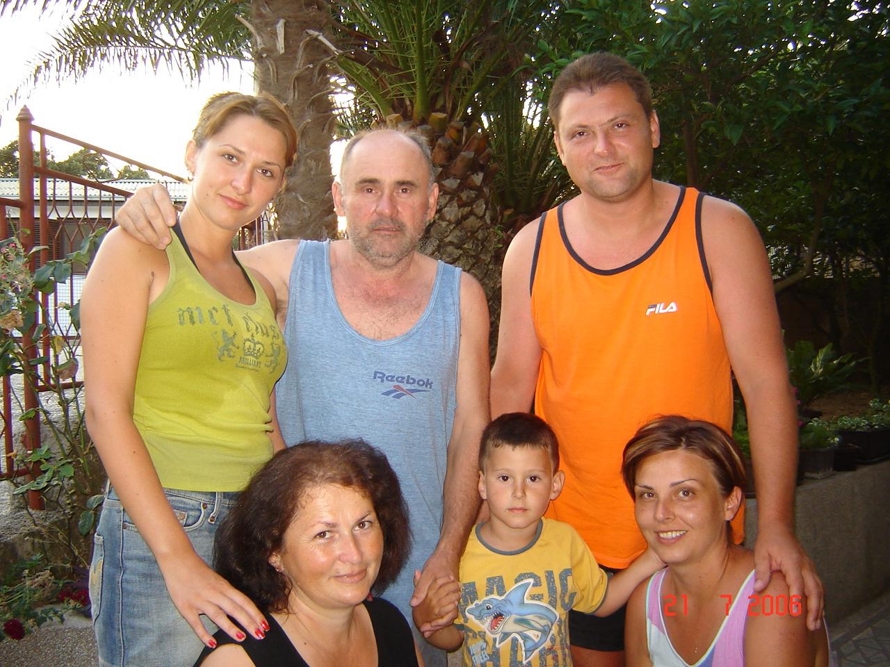 Gosti sa domaćinima u Apartmanima Olivera