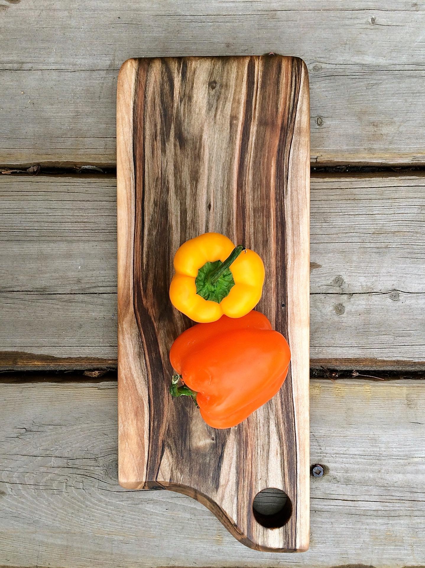 Wormy Maple Cheese/Veggie Board
