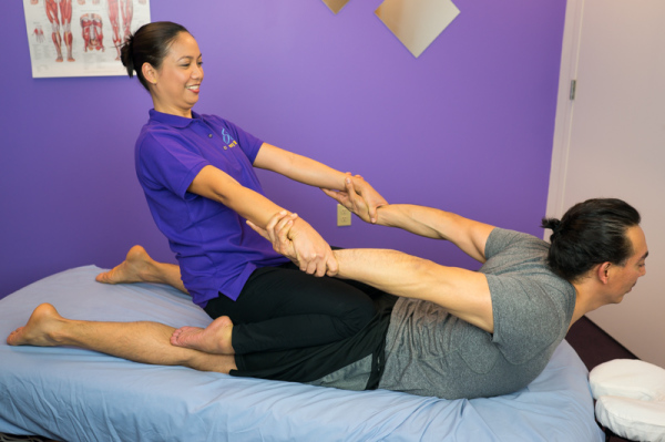 Table Thai, sports massage, Thai sports, cobra pose