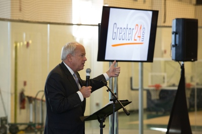 Mayor shares support for Greater24's field dedication by Virginia's largest indoor sporting complex