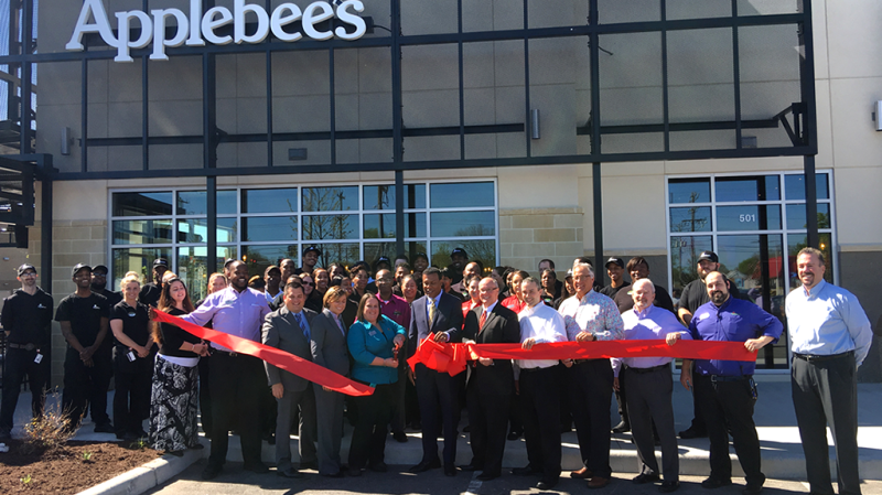 Greater24 Community Supporter Applebee's Launches A New Norfolk Location And Creates Over 100 Jobs