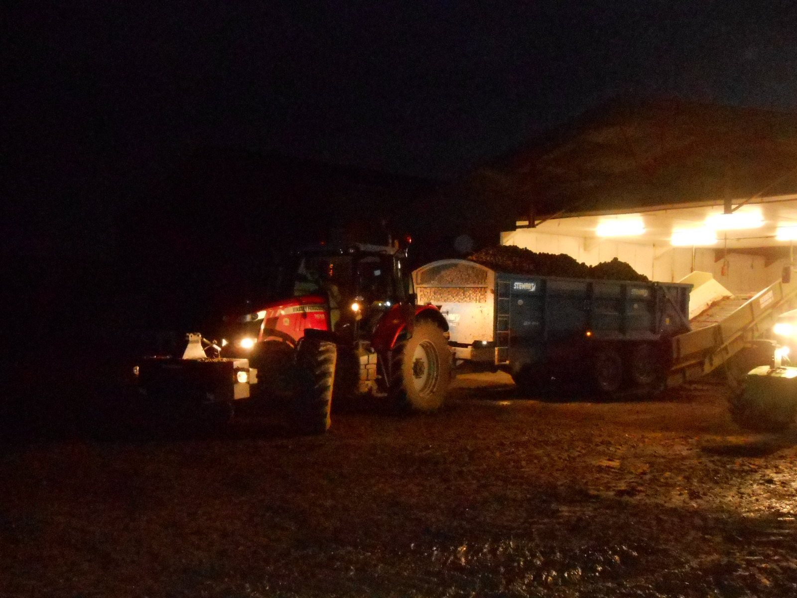 Night work on potatoes