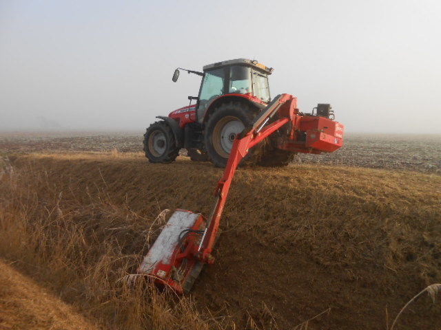 Round Baling with Case and MF on Trent Bank at Amcotts