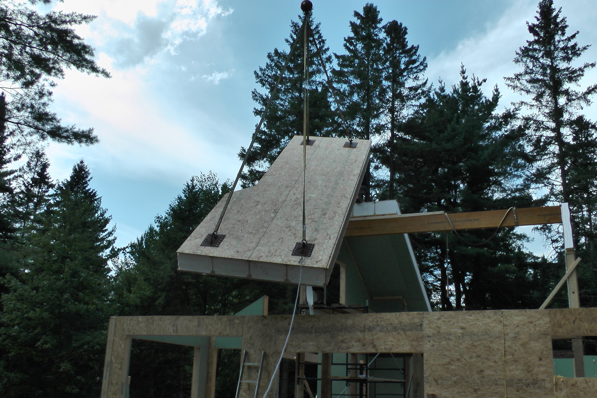 Prefabricated roof system; SIP; Green roof; Banerpan; Passive house roof; high R-value roof, SIP roof; prefabricated building system;  Prefabricated building envelop; sustainable roof; sustainable building envelop; sustainable building system;