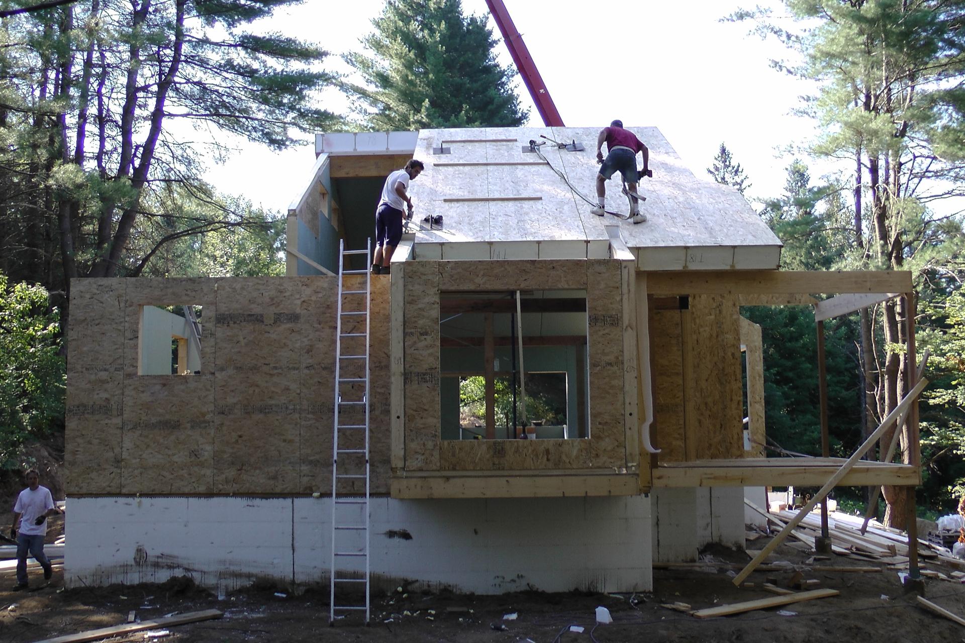 PIS ; Panneaux Isolés Structuraux; Panneaux de mur préfabriqué ;  Panneaux de toit préfabriqué ; Panneaux de Fondation préfabriqué ; Panneaux Isolés Structuraux de mur; Panneaux Isolés Structuraux de toit; Panneaux Isolés Structuraux de fondation;  Enveloppe du bâtiment durable ;  Enveloppe du bâtiment préfabriqué; Enveloppe du bâtiment vert; Panneaux Banerpan; Bâtiments verts ; Bâtiments durables ; Constructions Verts ;