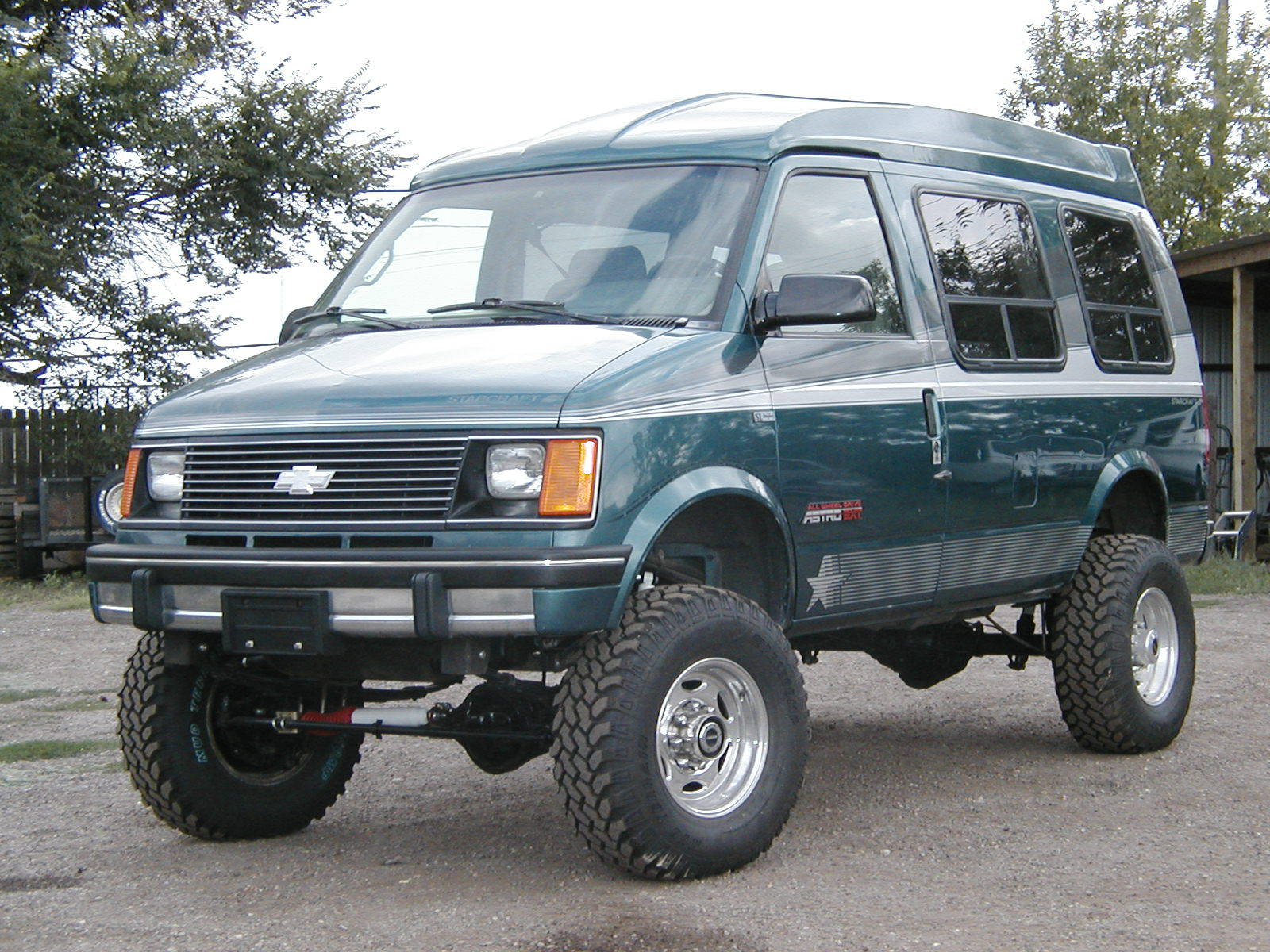 "4x4 Chevy Astro Van with 33"" tires"