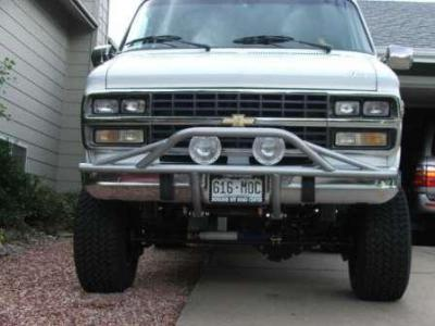 4x4 Chevy G series van with pre runner bumper