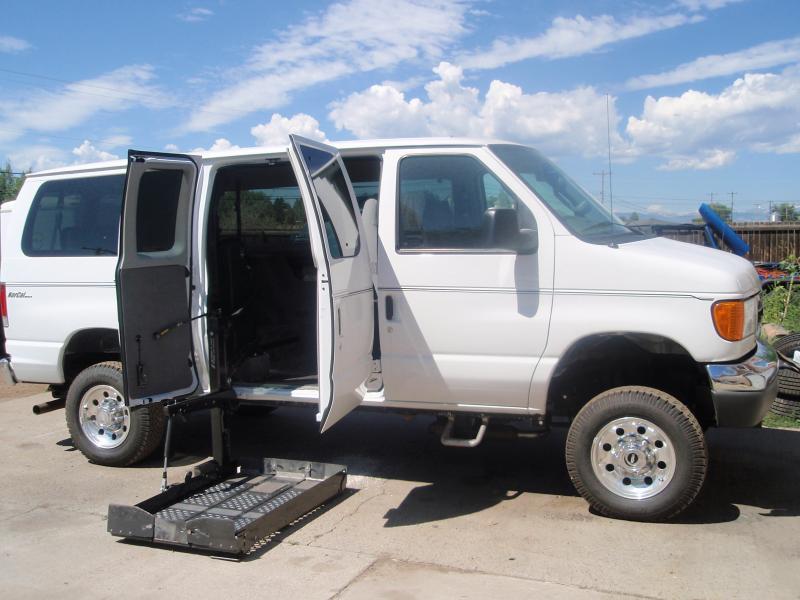 4x4 Handicap Van