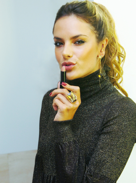Alessandra Ambrósio.