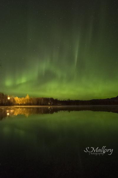 Aurora at Mirror Lake