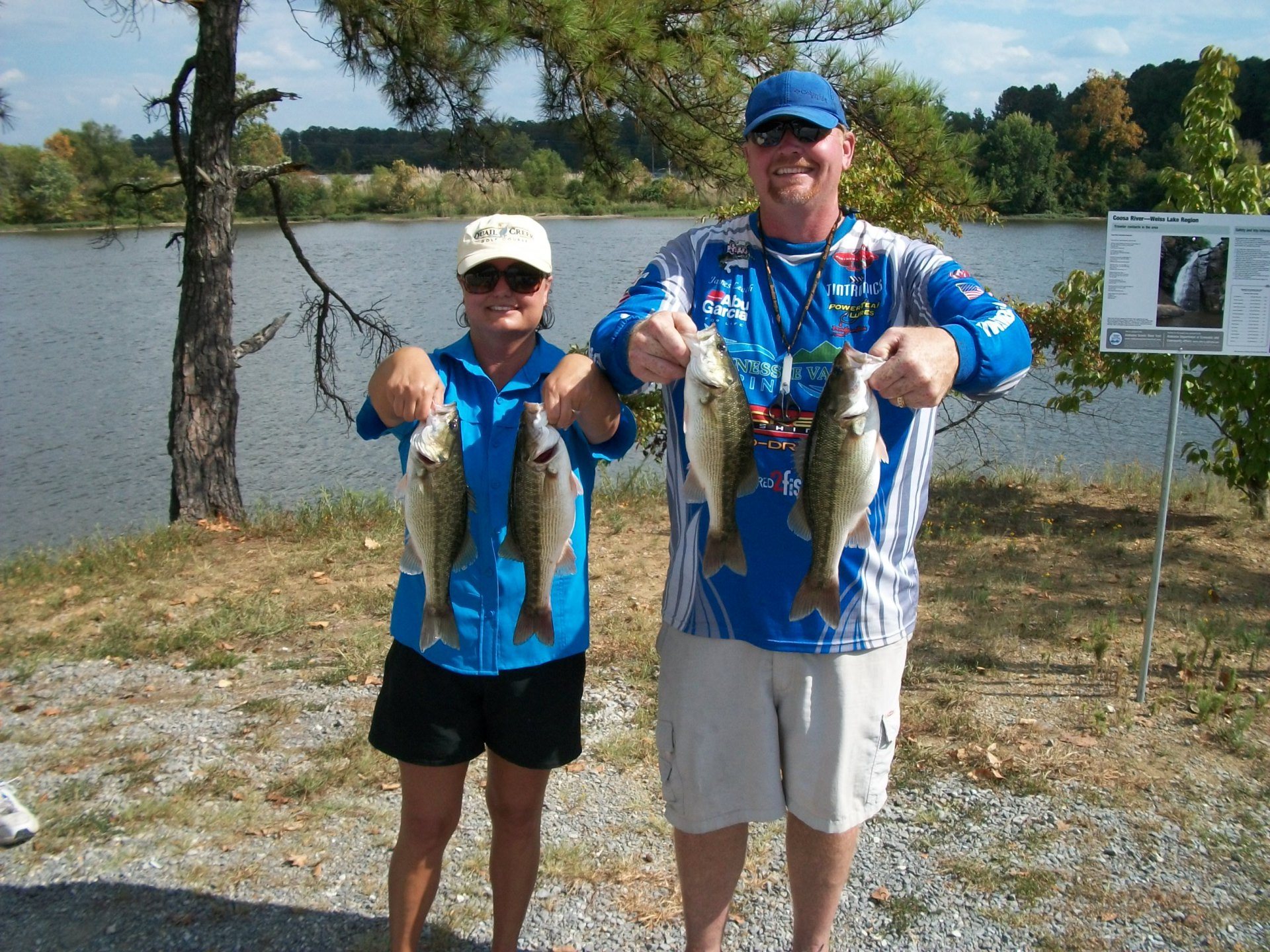 Tourney#10 - Pickwick Lake - 2nd Place - James and Pam Leach 14.32 lbs.