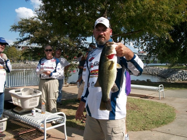 Tourney#10 - Pickwick Lake - Big Fish - Chris Wolsifer 5.21lb LM